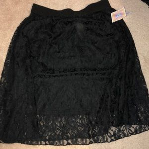 NWT lularoe black lace Lola skirt